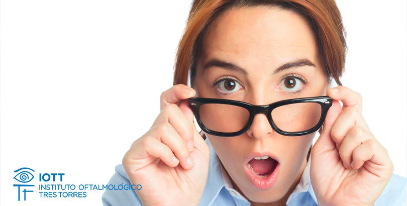 70666538f5 La presbicia o vista cansada es una enfermedad que nos afecta en el día a  día, ya que nos obliga a acabar dependiendo de gafas para cerca en nuestra  vida ...
