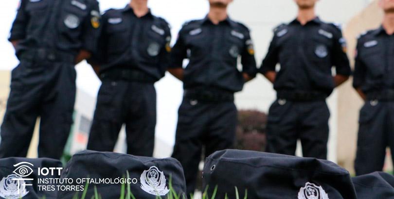 ser policia con miopia