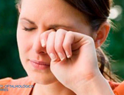 ¿Qué hacer si usas lentillas y tienes conjuntivitis?